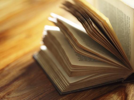 Deutsche Literaturepochen – wir erklären dir Klassik, Barock und Co.!