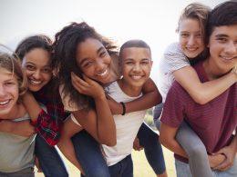 Internationaler Tag der Freundschaft – ein Hoch auf deine Freunde!