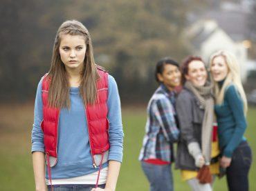 Mobbing in der Schule: So erkennst du, ob dein Kind davon betroffen ist