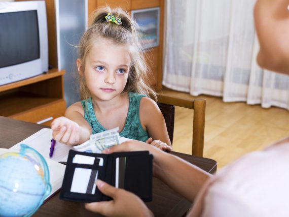 Wie viel Taschengeld ist für mein Kind angemessen?